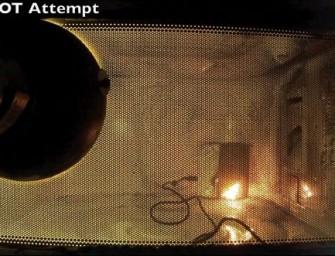 SE Xperia Play upieczona w mikrofalówce (wideo)