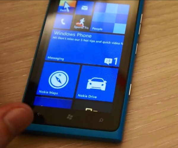 Nokia Lumia 900 - Windows Phone 7.8