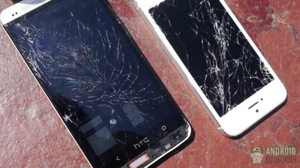 HTC One vs iPhone 5 - test zderzeniowy