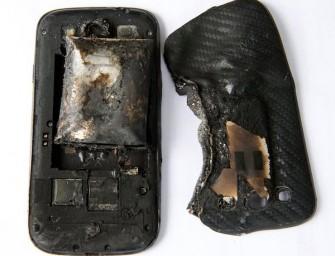 Samsung Galaxy S III, który ranił 18-letnią dziewczynę, eksplodował przez nieoryginalną baterię