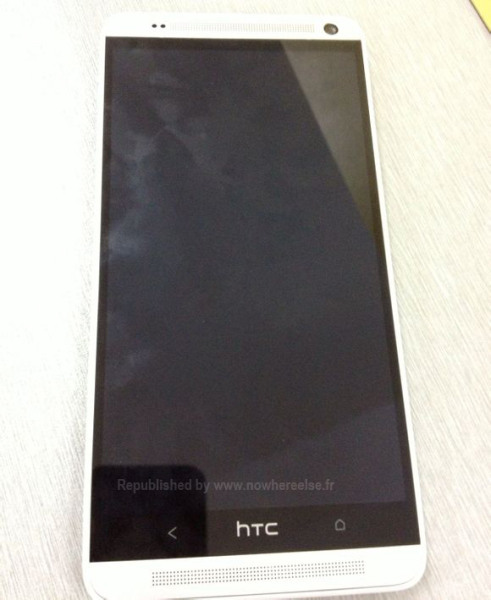 HTC One Max - front pod kątem