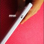 HTC One Max - bok, wlacznik