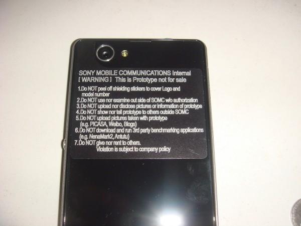 Sony Xperia Z1s - tył z naklejką