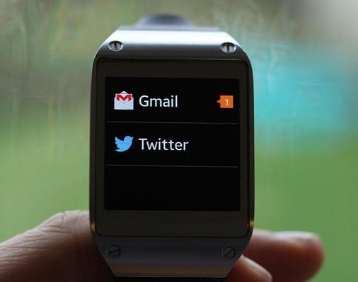 Samsung Galaxy Gear - Gmail i Twitter