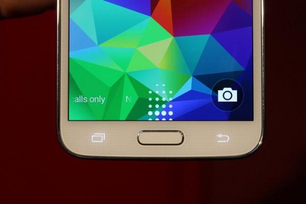 Samsung Galaxy S5 - czytnik linii papilarnych