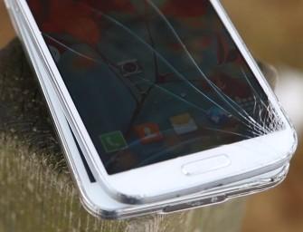 Samsung Galaxy S5 i Galaxy S4 – który jest wytrzymalszy na upadki?
