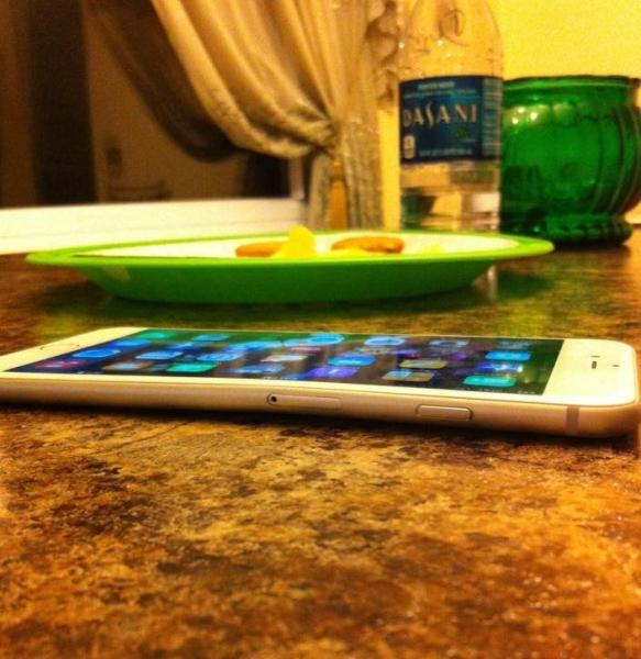 Apple iPhone 6 Plus - wygina się, użytkownika